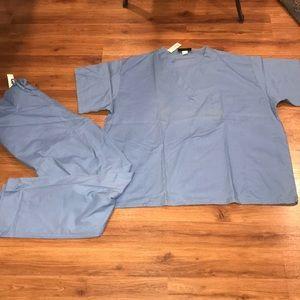 3X light blue scrub set